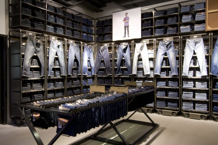 Flagship store installation and fit out for Levis